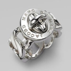 NWT Marc Jacobs Silver Katie Turnlock Chain Ring
